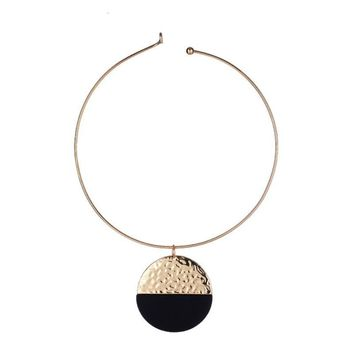 Silver Gold-color Black Resin Circle Coin Pendant  Necklace Nickel