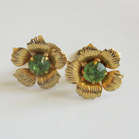 Pale Green Earrings, Rhinestone Flowers, Vintage, Floral Peridot Green Gold Tone Clips, Simple & Lovely!