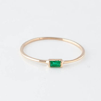 14K Yellow Gold Emerald Baguette Ring by EdinLove on Etsy