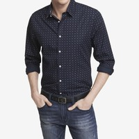 FITTED GEO PRINT SHIRT