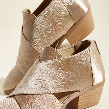 Repping Radiance Cutout Bootie in Golden Glow