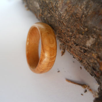 solid oak wood ring with maple band, custom, handmade