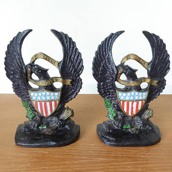 Vintage Hubley cast iron American Eagle with shield bookends marked 665