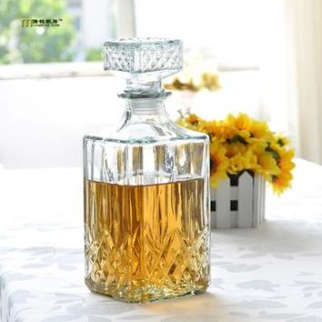 800mL Cubic Lead-Free Glass Decanter