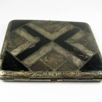 Vintage Cigarette Case with Art Deco Motif, Collectible / Antique EBM CO Case - Le Cas de Cigarettes.