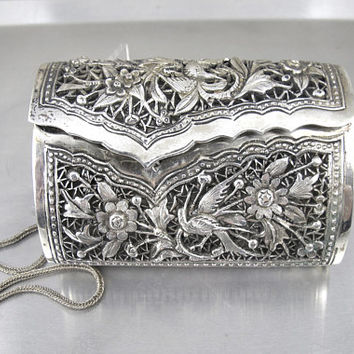 Antique Silver Handbag. Art Nouveau Silver Repousse Purse Clutch Wristlet. Antique Evening Bags.