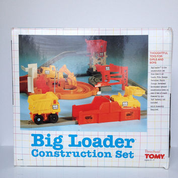 Vintage TOMY Big Loader Construction Set