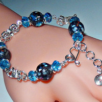 Beaded chainmaille bracelet - mother of pearl - byzantine chainmail - silver plated - bauble bracelet