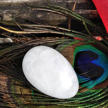 Large Clear Quartz Yoni Egg - 45mm - Healing Crystal - Reiki Healing - Drilled Yoni Egg - Kegel Egg - Infused Crystal - Jade Egg - #595