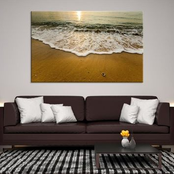11343 - Canvas Print of the Waves on the Beach