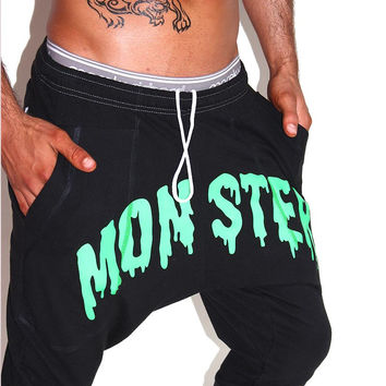 Monster Drop Crotch Jogger Shorts-Black