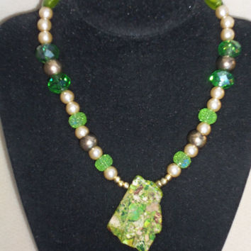 "Kaleidoscope Green Little Ladies - 15"" Necklace with Pendant"