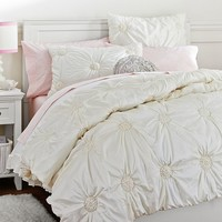 Ruched Rosette Quilt, Twin, Snow White