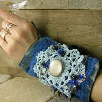 arm cuff in blue repurposed cotton lace crochet by piabarile