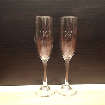 Personalized Custom Engraved Champagne Flutes: Set of 2 - Anniversary Gift, Bridesmaids, Champagne Glasses, Valentine's Day