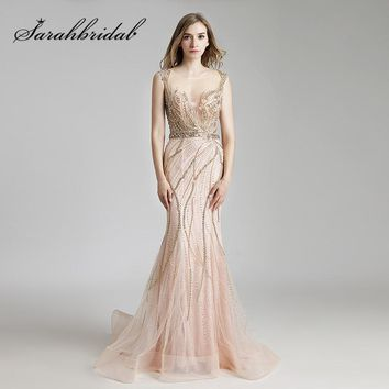 Luxury Champagne Celebrity Formal Dresses Beaded Crystals Mermaid Long Sheer Neck Illusion Back Evening Prom Gowns CC428