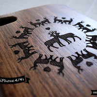 SALE30%OFF: Natural Wood iPhone 4 Case - Engraved Deers in Love iPhone Case // Sapele Wood, Art, Gift, Laser Engraving, 3D, Relief, 4s