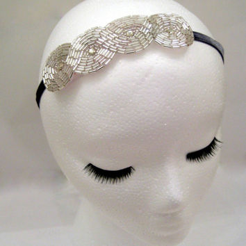 1920s headbad, flapper style headpiece, art deco fascinator, art deco hair, Great Gatsby, silver white headband, beaded rhinestone headpiece