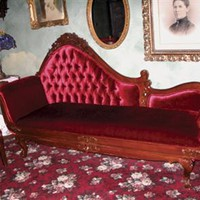 MISS SCARLET CHAISE