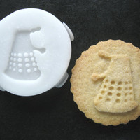 DALEK inspired COOKIE STAMP recipe and instructions - make your own Doctor Who inspired cookies