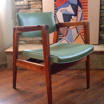 60s Vintage GORGEOUS WALNUT CHAIR Mid Century Modern Gunlocke, Teak Wood, Soft Mint Green Faux Leather, Side, Desk, Lounge Furniture