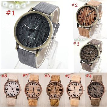 Unisex Leather Band Wooden Frame Wristwatch Mens Womens Quartz Watch Jewelry Gifts