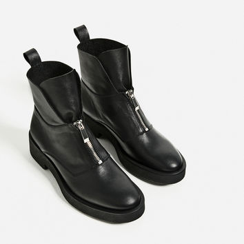LEATHER ANKLE BOOTS WITH ZIP DETAILS