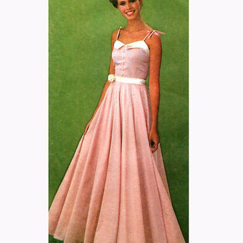 1970s EVENING GOWN PATTERN Prom Dress Designer Jessica McClintock Gunne Sax Simplicity 9008 Bust 32.5 UNCuT Vintage Womens Sewing Patterns