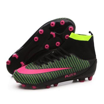 New Arrival Men Football Boots High Ankle Soccer Shoes Outdoor Lawn Crampons Futsal Sock Soccer Cleats Sport Training Sneakers