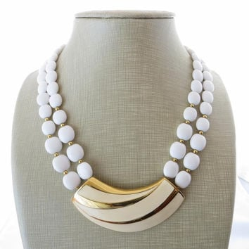 Trifari vintage necklace white lucite and enamel  - american costume jewelry