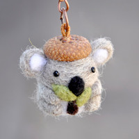 Needle felted koala miniature keychain, amigurumi koala keychain,felted animal keychain, needle felted animal miniature, koala figurine