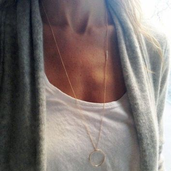 Simple Solid Color Circle Pendant Necklace For Women - Golden