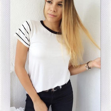 STRIPE SHOULDER TEE- IVORY