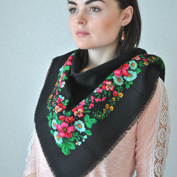 Vintage Ukrainian shawl, Russian shawl, Wool floral scarf, Black shawl, made in USSR, Black shawl with flowers, Vintage shawl, Babushka