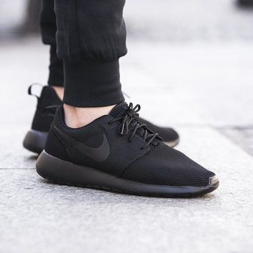 Shop Black Roshe Run Men's on Wanelo