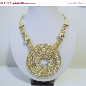 Free Shipping: Gold Disc Necklace/ Circular Necklace/ Gold Circle Necklace/ Gold