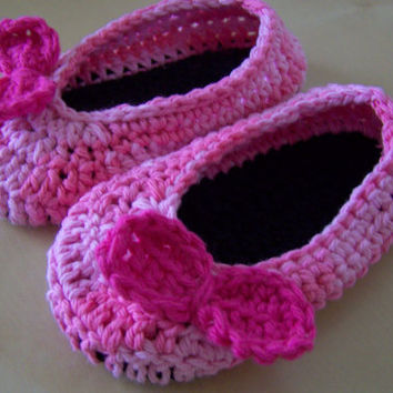 toddler girl crochet shoes, ballet flats, slippers, clothing accessory, pink with bow, toddler size 7, 7 1/2