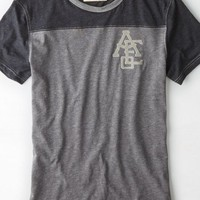 AEO Men's Athletic Graphic T-shirt (Bold Black)