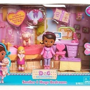 Doc McStuffins Smiles and Hugs Bedroom