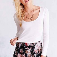 UO Cropped Tee