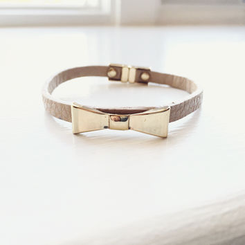 Bow Leatherette Bracelet - Tan