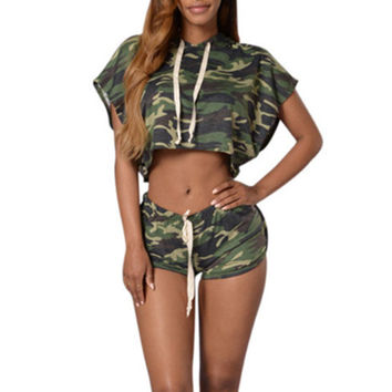 Camouflage Women's set Crop Hooded Top and Shorts 2017 Girl Summer Short Batwing Sleeve Hoodies Clothing Party Club Sexy set