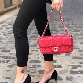 CHANEL RED LAMBSKIN QUILTED FLAP BAG -100% AUTH