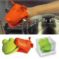 Frog and Dog Hot Heads Oven Mittens