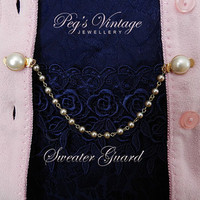 Faux Pearl Sweater Guard, Vintage Collar Clip, Gold Tone Pearl Chain, Sweater/Fur Guard