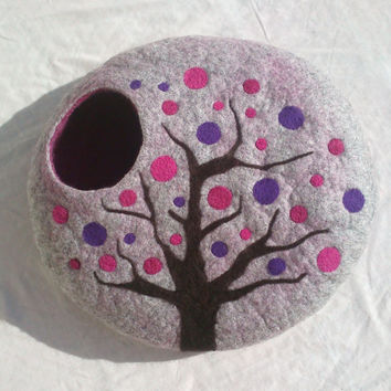 L - Handmade felt cat bed / cat cave / cat house / cat basket / cat nap cocoon / Nuno felted wool with CATNIP - Spring tree - Gift ball