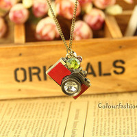 Camera Necklace-Vintage Style Red Leather Camera Necklace