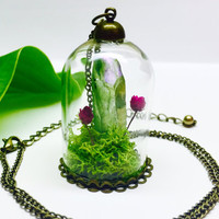 Terrarium Necklace, Crystal Terrarium, Terrarium Jewelry, Quartz Crystal, Green Quartz Point, Terrarium Pendant, Dried Flowers and Real Moss