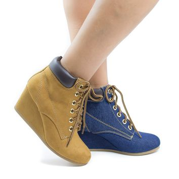 Inso Blond By City Classified, Lace Up Round Toe Padded Ankle Collar Wedge Heel Booties
