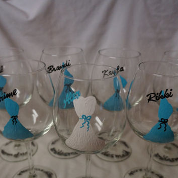 Custom Wedding Party Champagne Flutes -  Hand Painted Champagne Flutes